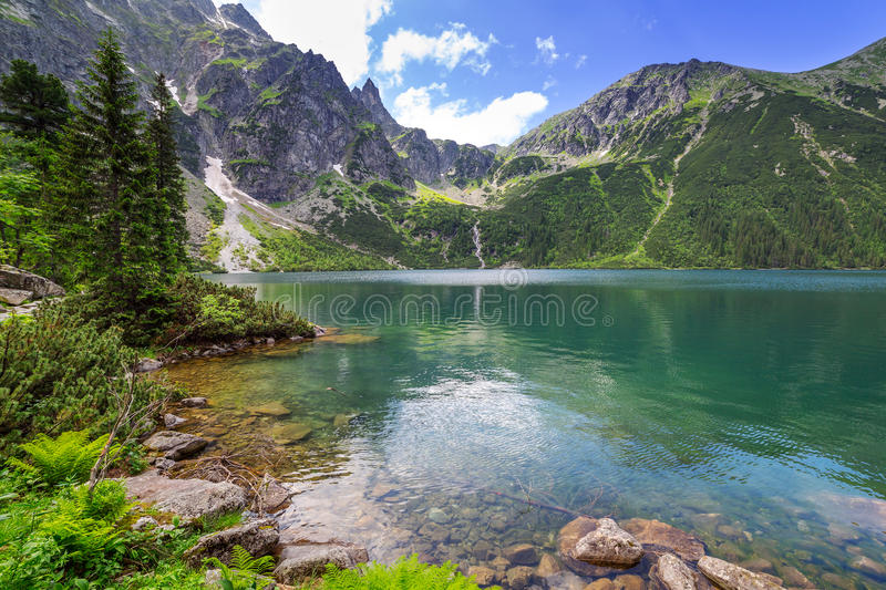 Montañas y lago de Tatra en Polonia imágenes de archivo libres de regalías