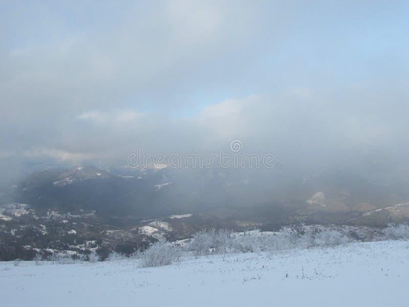 Montañas Zahar Berkut imagenes de archivo