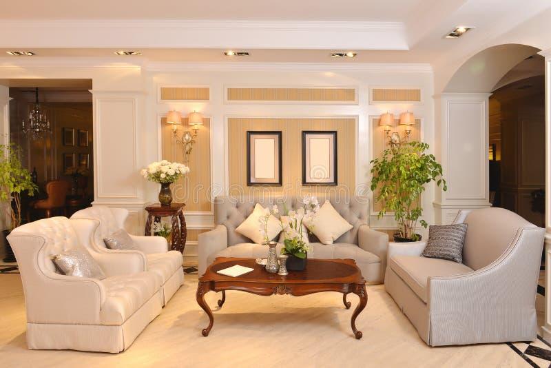 Montage de luxe de meubles d'appareils de salon image libre de droits