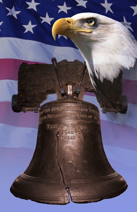 Montagem da foto: Liberty Bell, águia americana, bandeira americana imagem de stock royalty free