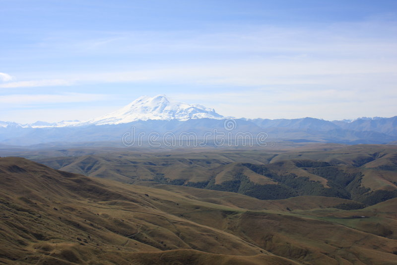 Montagem Elbrus cénico imagens de stock royalty free