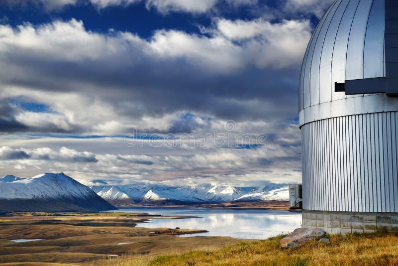 Montagem John Observatory, lago Tekapo, Nova Zelândia imagem de stock