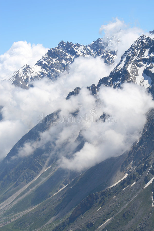 Download Montagna immagine stock. Immagine di mountaineering, naughty - 7308509