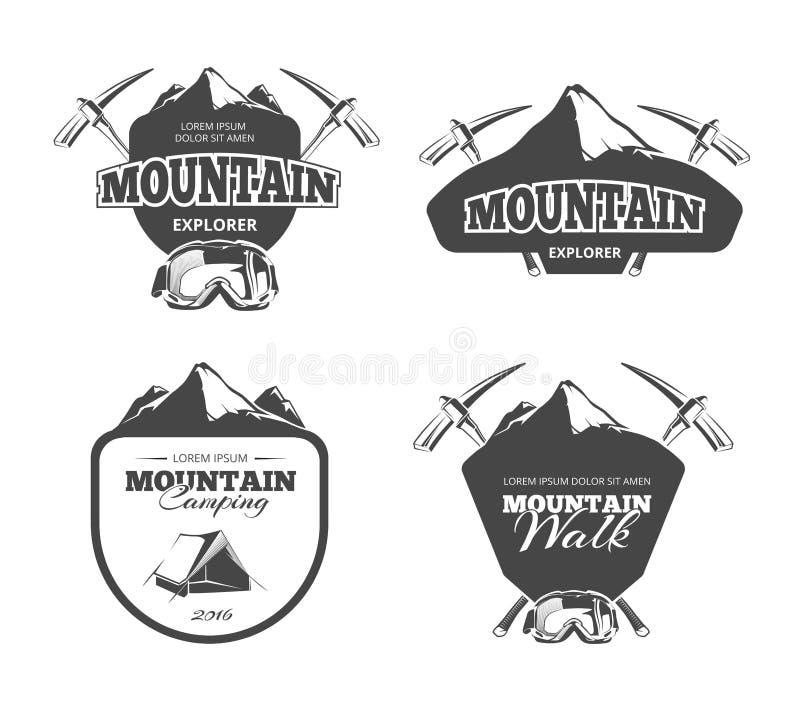 Montagna d'annata che si accampa, emblemi di vettore di alpinismo, etichette, distintivi, logos messo royalty illustrazione gratis