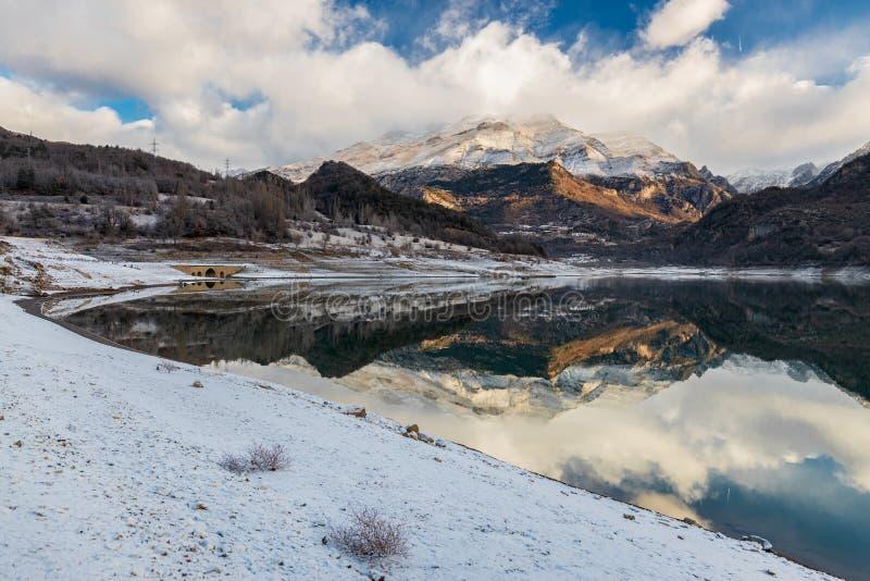 Montagna del Bubal del lago fotografia stock