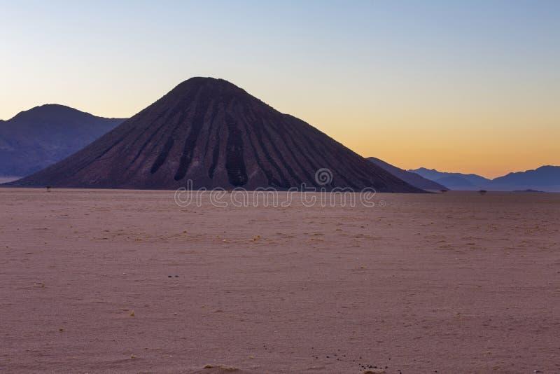 Montagna del cioccolato al tramonto fotografie stock