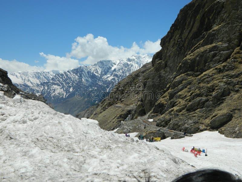 Montagna di ghiaccio di Manali che sembra impressionante immagini stock libere da diritti