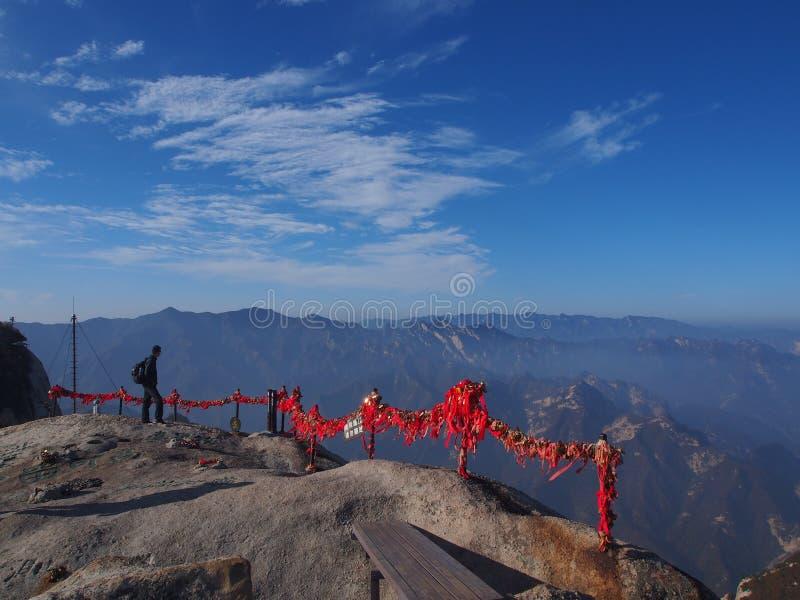 Montagna di Huashan Sacre La traccia più pericolosa al picco T fotografie stock libere da diritti