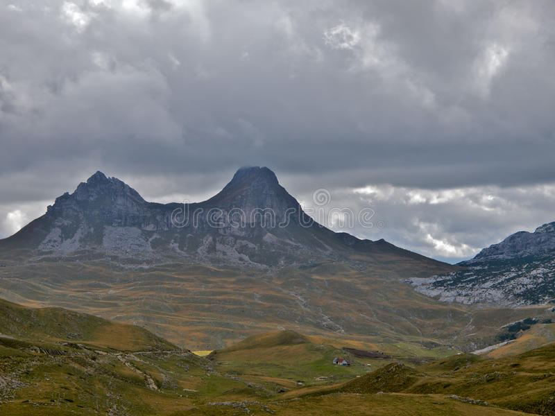 Montagna di punta due immagini stock