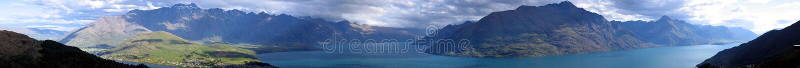 Montagna di Remarkables fotografie stock
