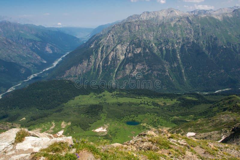 Montagna Dombai, Caucaso, Russia immagine stock