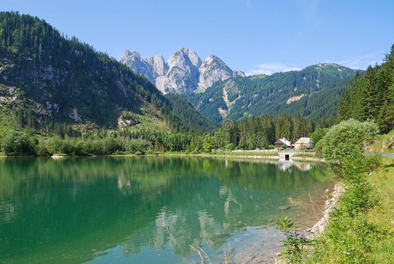 Montagna e lago in Gosau, Austria fotografia stock libera da diritti