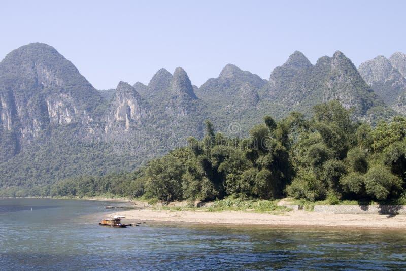 Montagna in fiume Li immagine stock libera da diritti