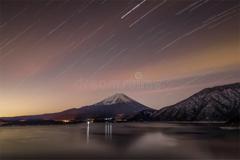 Montagna Fuji e motosu del lago fotografie stock libere da diritti