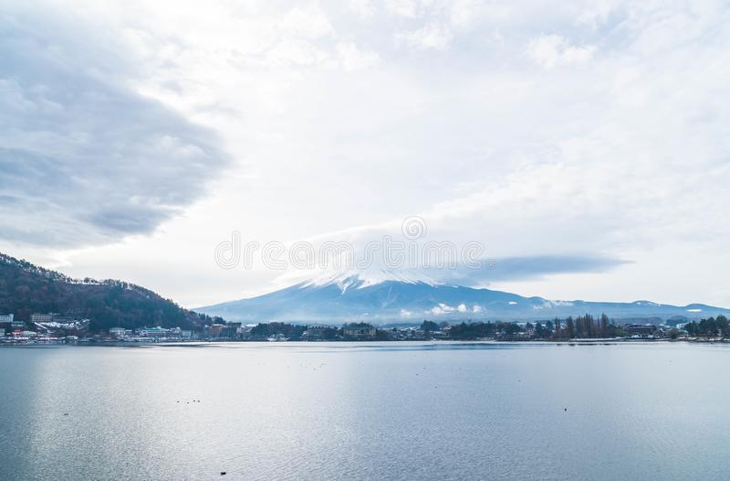 Montagna Fuji San con nuvoloso immagini stock libere da diritti
