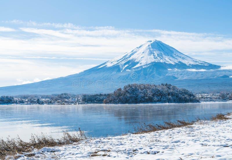 Montagna Fuji San nel lago Kawaguchiko fotografia stock libera da diritti