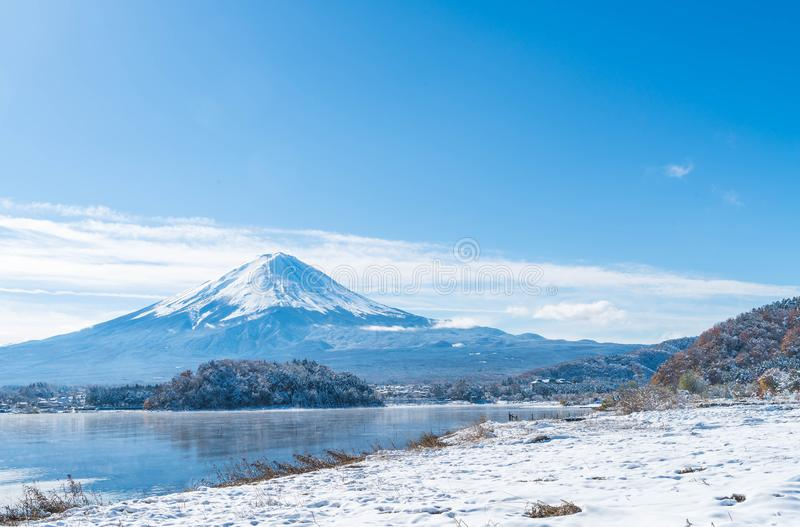 Montagna Fuji San nel lago Kawaguchiko fotografie stock libere da diritti