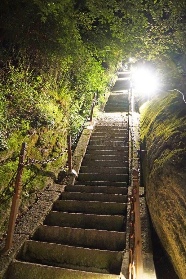 Montagna Huashan alla notte fotografia stock libera da diritti