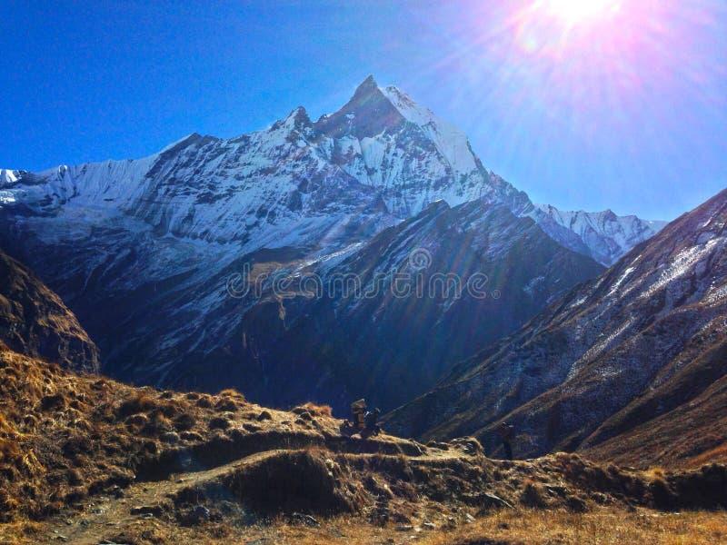 Montagna Machapuchare e cresta fotografia stock libera da diritti