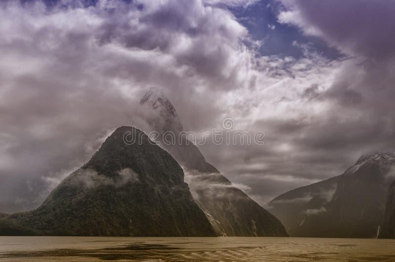 Montagna Milford Sound immagine stock libera da diritti