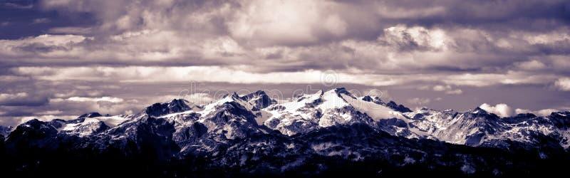 Montagna panoramica immagini stock