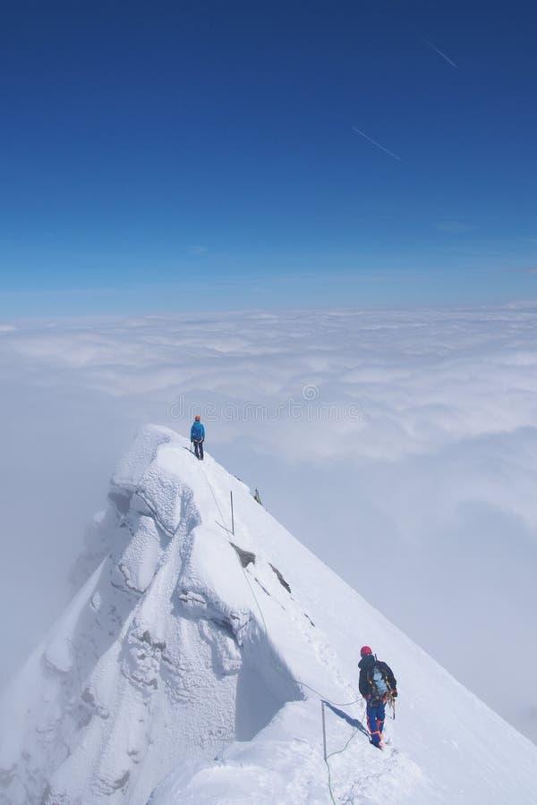 Montagna Ridge With Cloudy Sky fotografia stock