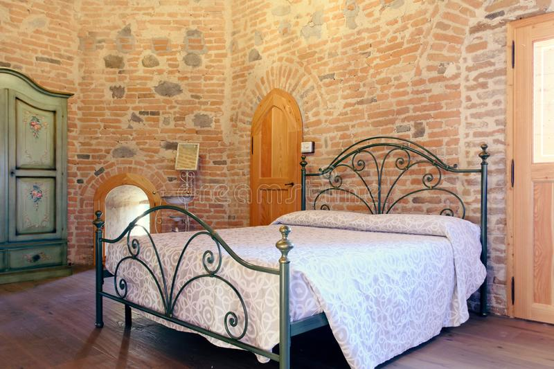 Montagnana, Ιταλία, στις 27 Αυγούστου 2018: Εσωτερικό ξενοδοχείων στον τοίχο φρουρίων στοκ εικόνες