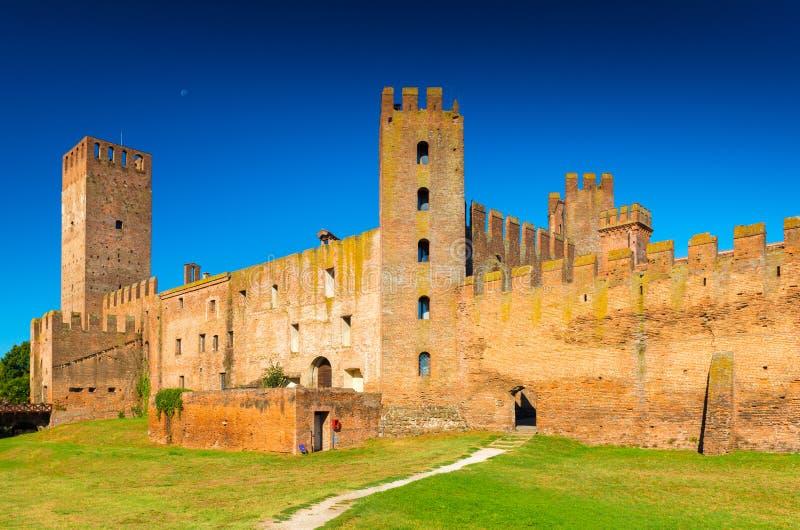 Montagnana, Italia: Ciudad medieval emparedada imagenes de archivo