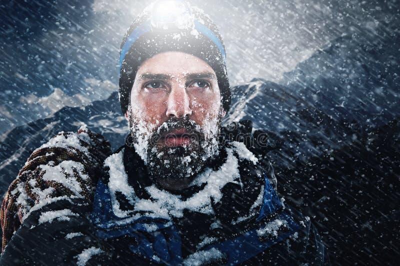 Montagnard d'explorateur d'aventure photographie stock