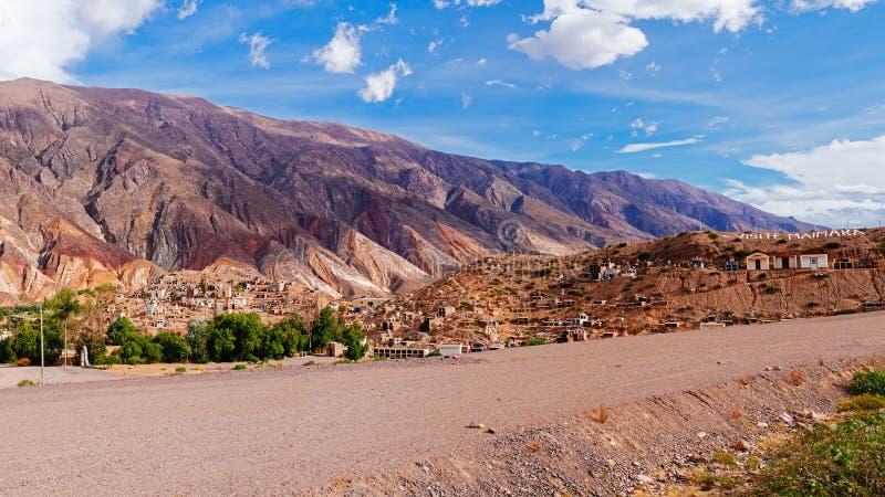 Download Montagne photo stock. Image du panoramique, projectile - 56483710