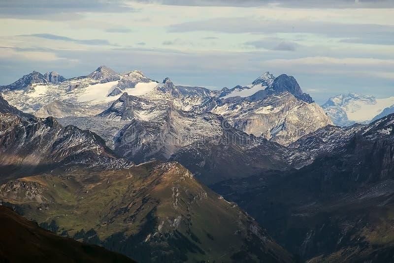 Montagne alpine fotografia stock