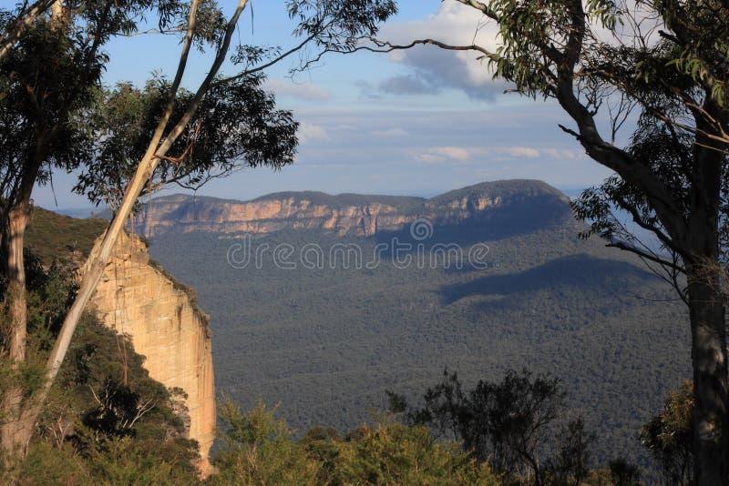 Montagne blu fotografie stock