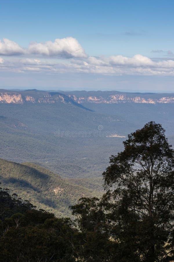 Montagne blu fotografia stock