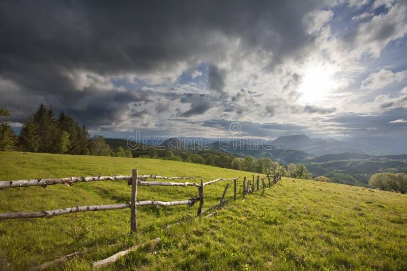 Montagne carpathienne photo libre de droits