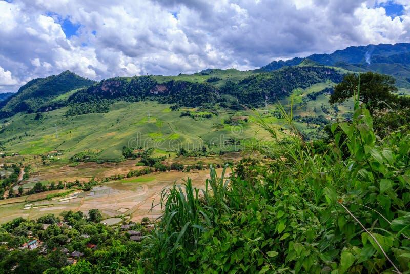 Montagne chez le Vietnam du Nord photos stock