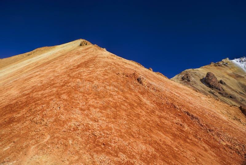 Montagne colorée images libres de droits