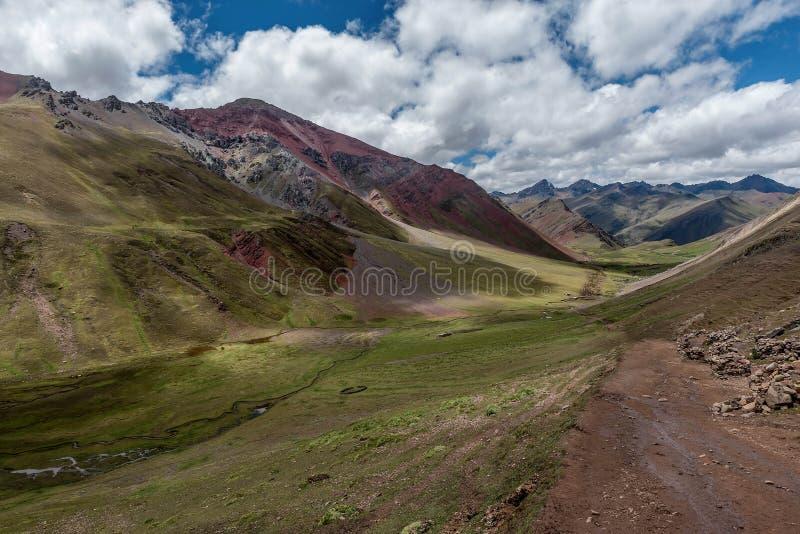 Montagne d'arc-en-ciel de Vinicunca aka dans la région de Cusco, Pérou photo libre de droits