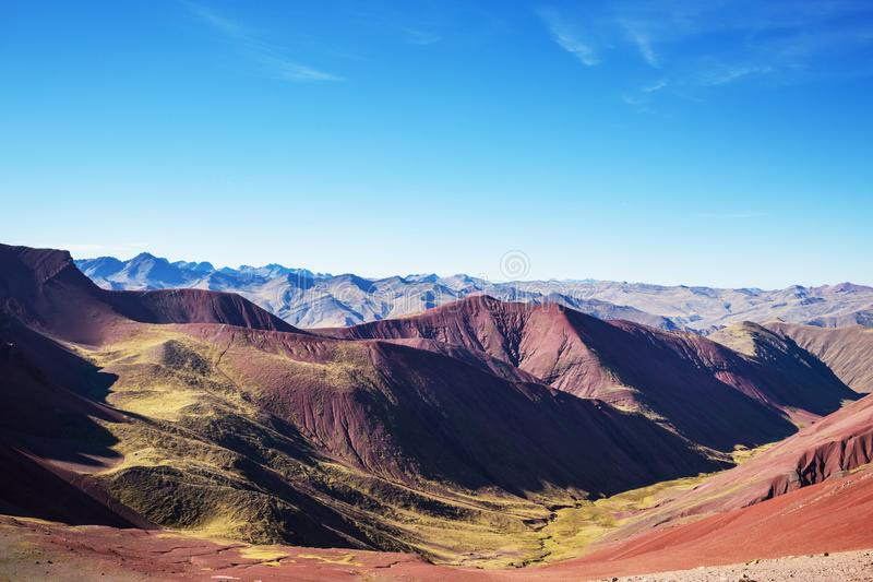 Montagne d'arc-en-ciel photos libres de droits