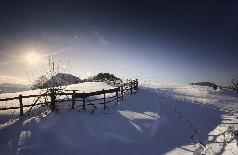 Montagne d'hiver image stock