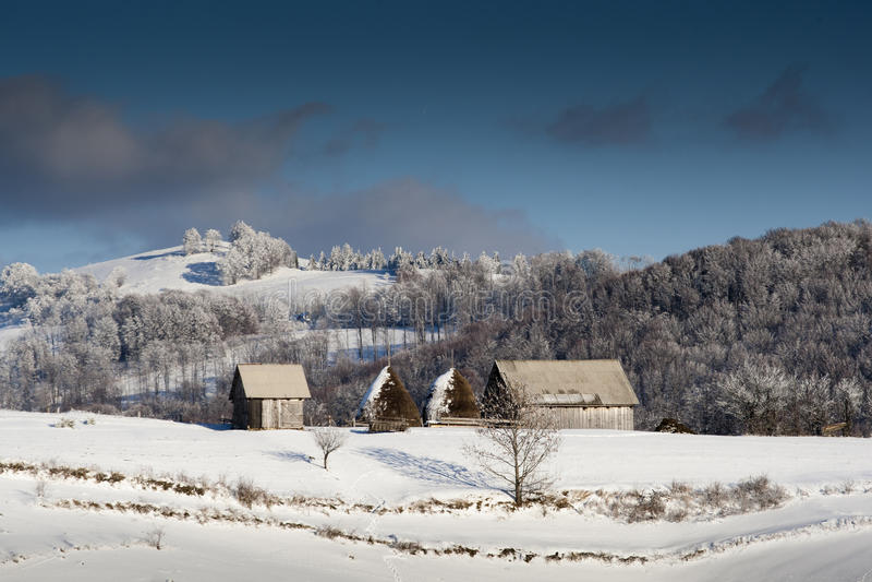 Montagne d'hiver images stock