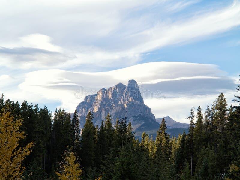 Montagne de château images libres de droits