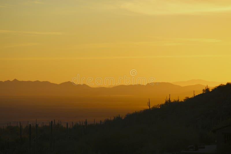 Montagne de colombe de coucher du soleil de l'Arizona images stock