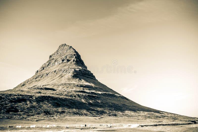 Montagne de Kirkjufell photographie stock libre de droits