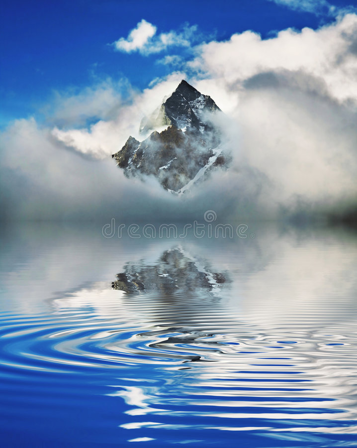 Montagne de l'Himalaya image libre de droits