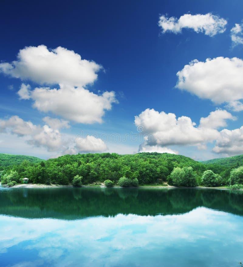 montagne de lac photo libre de droits