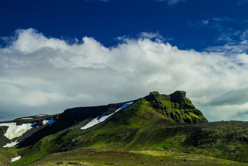 Montagne de Midfell en parc national de Snaefellsjokull photographie stock libre de droits