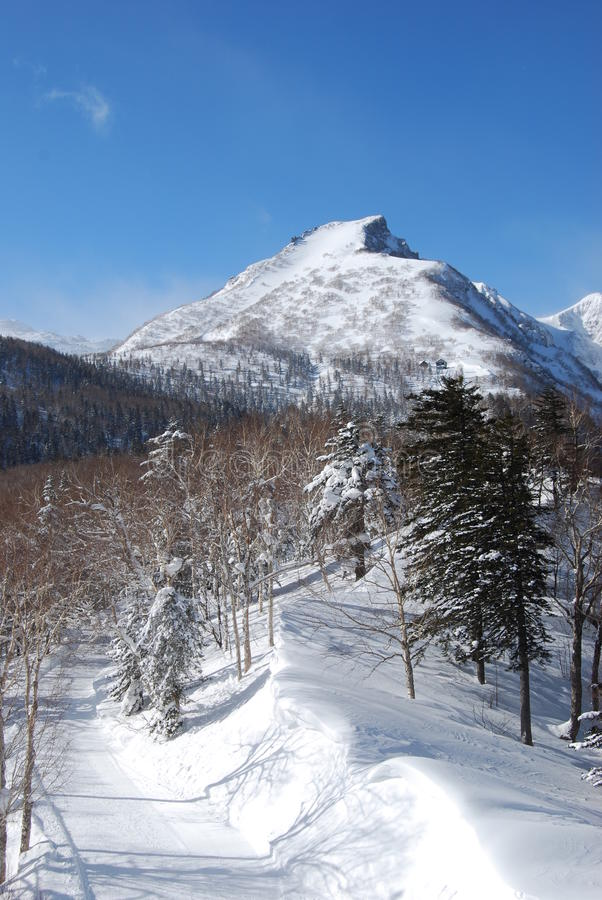 Montagne de Milou de Daisetsu San au Hokkaido photos stock