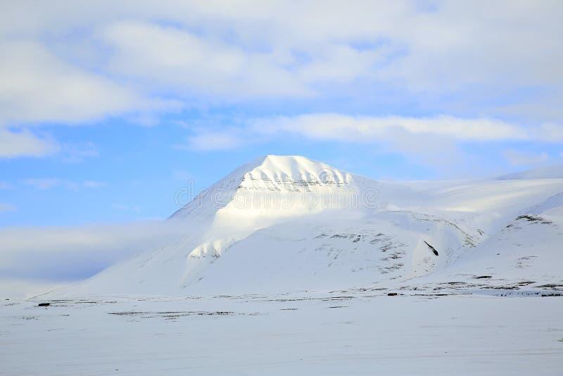 Montagne de Milou sur le Svalbard photos libres de droits
