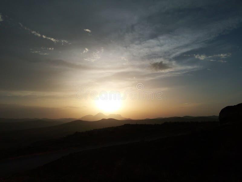 Montagne de nature de montain de coucher du soleil photos libres de droits