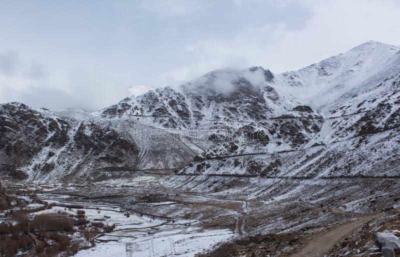 Montagne de neige dans Leh Ladakh photos stock